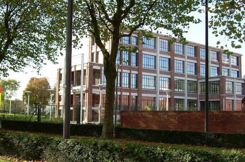 Bureaux Lille - Roubaix : Le CCAS Les 3 Ponts de Roubaix s'installe Sur l'immeuble Salengro